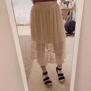 beige forever 21 lace skirt